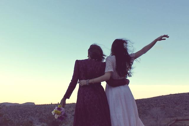 girlfriends-338449_640.jpg
